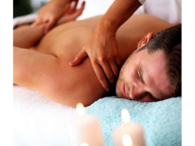 Ragad masseuse 20925859 - 1